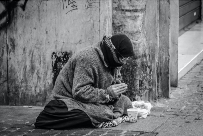 Pobreza y participación ciudadana